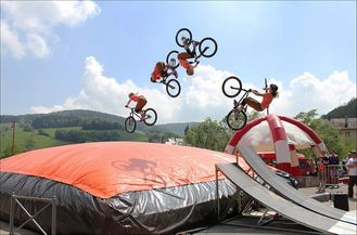 China Inflatable Air Bag For Bike supplier
