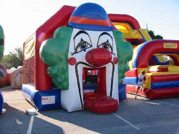 China Funny Clown Commercial Jumping Castles Bounce Houses For Kids factory