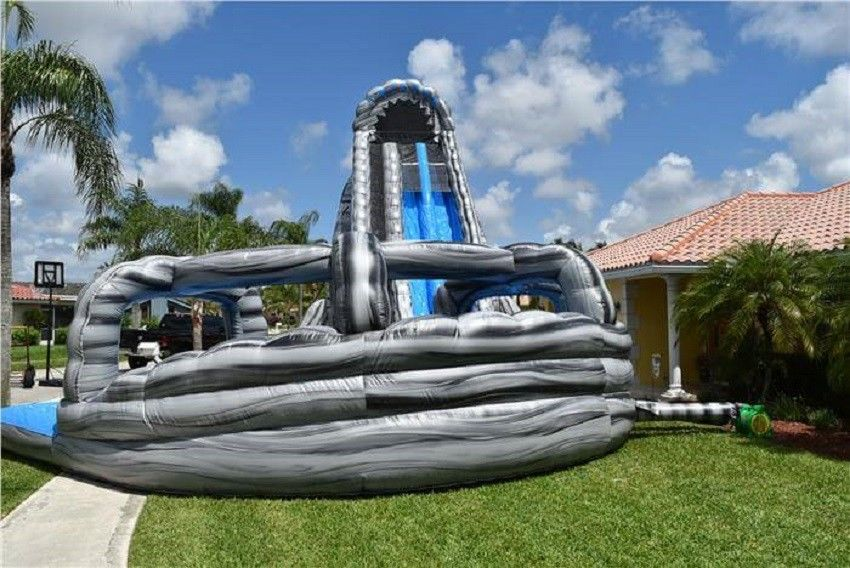 China Customized Garden Dual Lane Inflatable Water Slides Pool For Fun factory