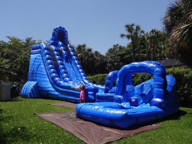 China Large Cyclone 32ft Tall Massive Inflatable Water Slides For Big Amusement Park Or Event factory