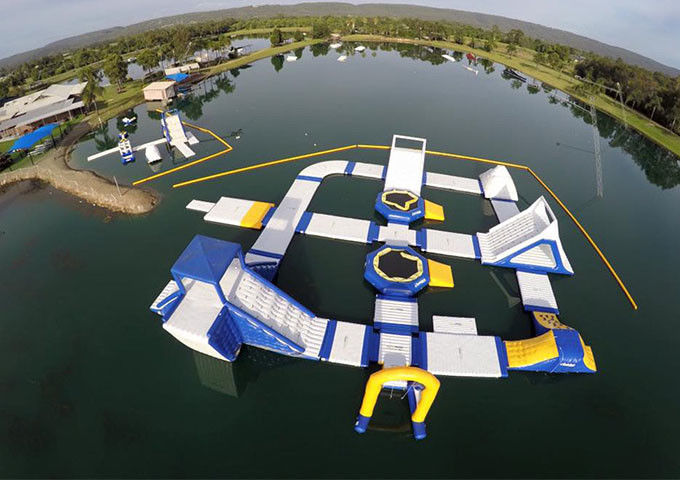 Amazing Children Giant Inflatable Water Park For Sea / Ocean 17x8m Customzied