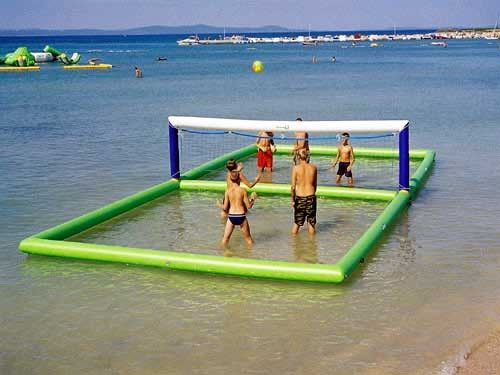 China Outdoor Inflatable Beach Games / Inflatable Water Volleyball Court For Seaside factory