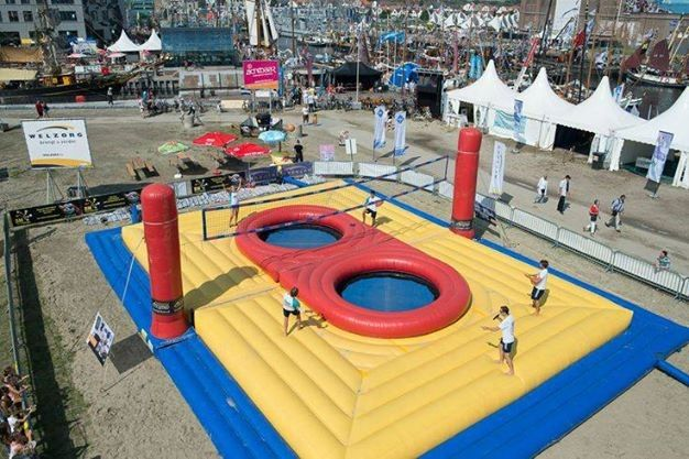 China Outdoor Inflatable Sports Games , Inflatable Volleyball Court With Trampoline factory