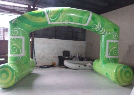 Green Standard Free Standing Inflatable Arch , PVC Tarpaulin Inflatable Arch for Advertising